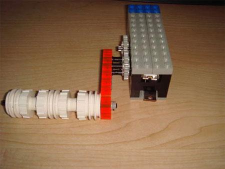hand crank lego USB charger