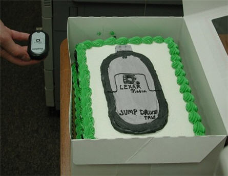 usb birthday cake