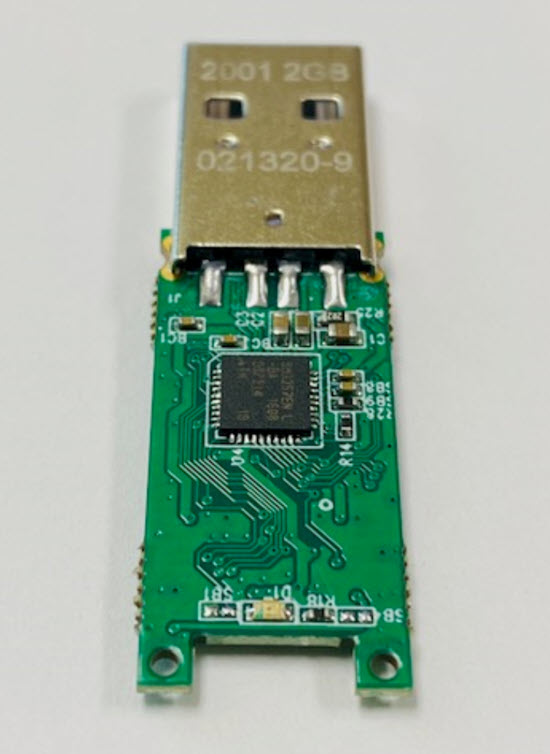 USB flash drive with USB controller